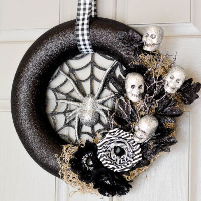 Spiderweb Wreath | A Pumpkin and a Princess | Craft Collector