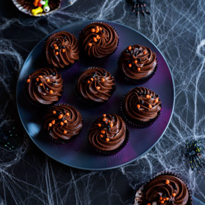 Spooky Stuffed Cupcakes | A Side of Sweet | Craft Collector