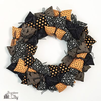 Pillow Wreath | Bugaboo City | Craft Collector