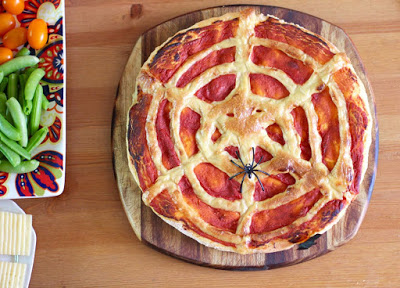 Spiderweb Pizza | Green Gourmet Giraffe | Craft Collector