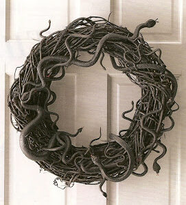 Snake Wreath | The McIllece Spot | Craft Collector