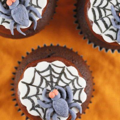 Cute Spiderweb Cupcakes | Jessica Gavin | Craft Collector