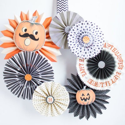 Party Fan Halloween Wreath | Design Improvised | Craft Collector