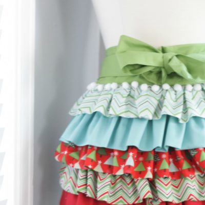 Holiday Ruffle Apron | Skip to My Lou | Craft Collector