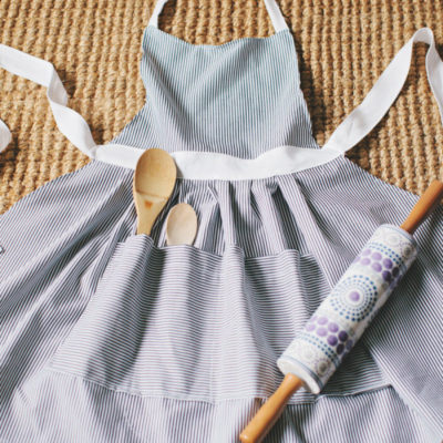 Hostess Apron | Style Me Pretty | Craft Collector